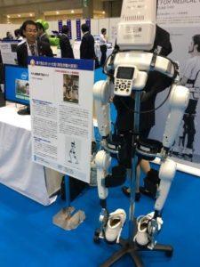 筑波大学ベンチャー(サイバーダイン社)の医療用下肢ロボット