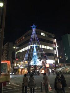 湘南台駅近くのクリスマスツリー