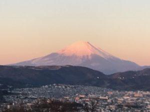 初日の出に染まる富士山